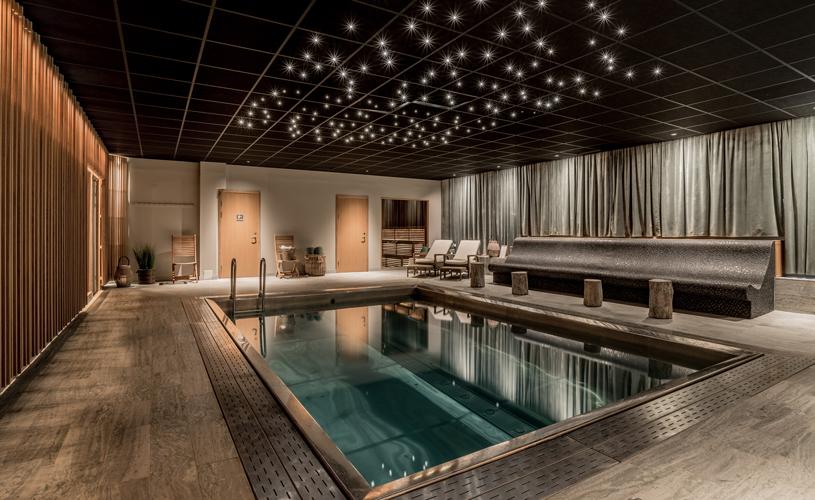 skön yoga och lyxig hotellfrukost
